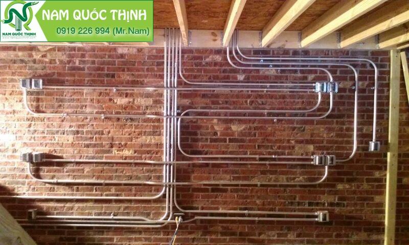 Ống thép luồn dây điện được dùng để thi công đi âm tường, âm sàn